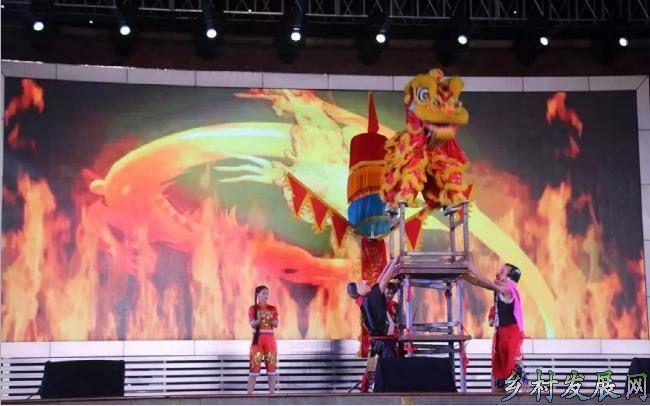 """丰都县龙河镇:""""高台舞狮""""成功申报第六批市级非遗文化名录.."""